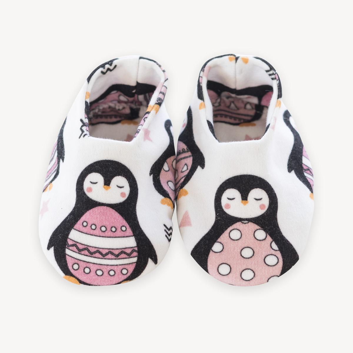 patucos de pingüinos rosas